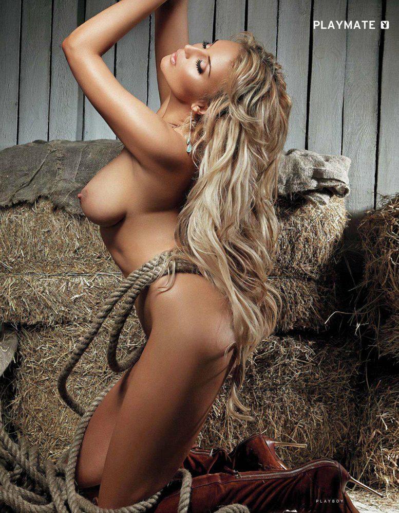 Девушка месяца Алина Ильина в журнале Playboy Россия, июль 2012