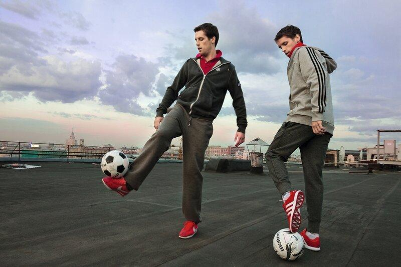 Дмитрий и Кирилл Комбаровы: Компартия (Фото)