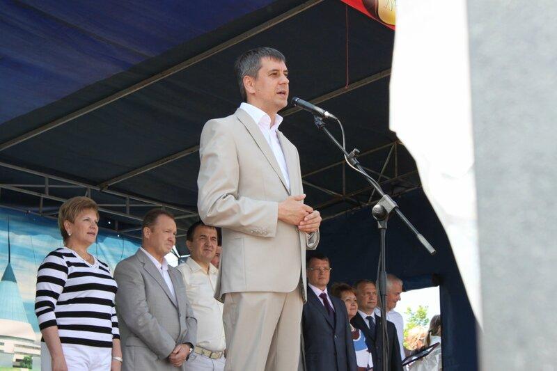 Мэр Тольятти Сергей Андреев на сабантуе 2012