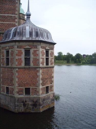 Боковые башенки Замка Frederiksborg