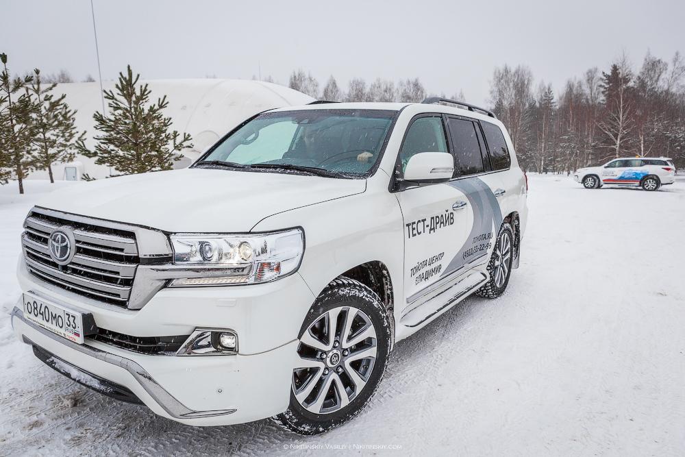 Снежный тест-драйв Toyota