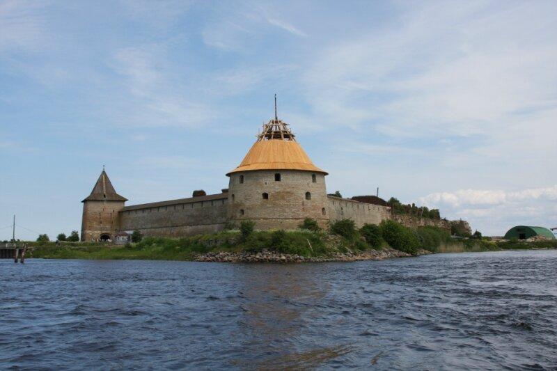 вид на крепость с катера