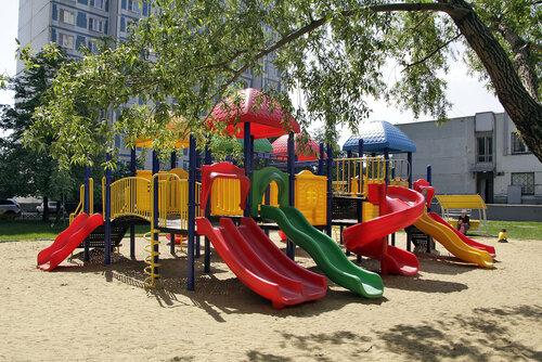 Детская площадка. Коломенская улица 6 к1