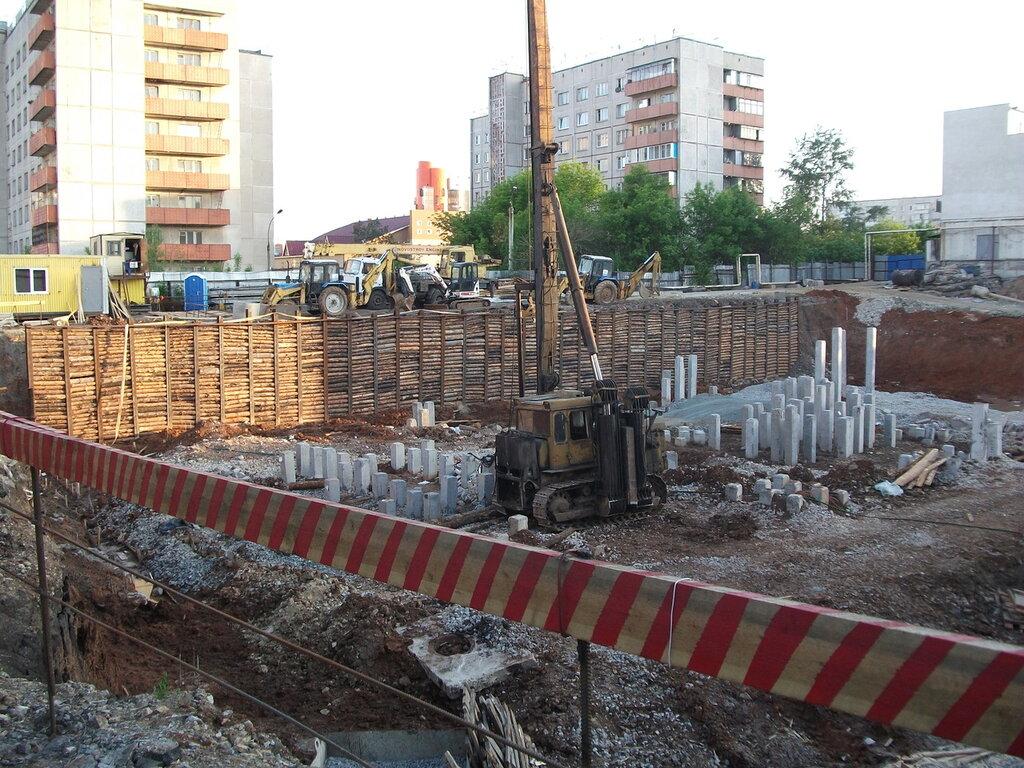 Уродец на Молодогвардейцев, 31 (27-05-2012)