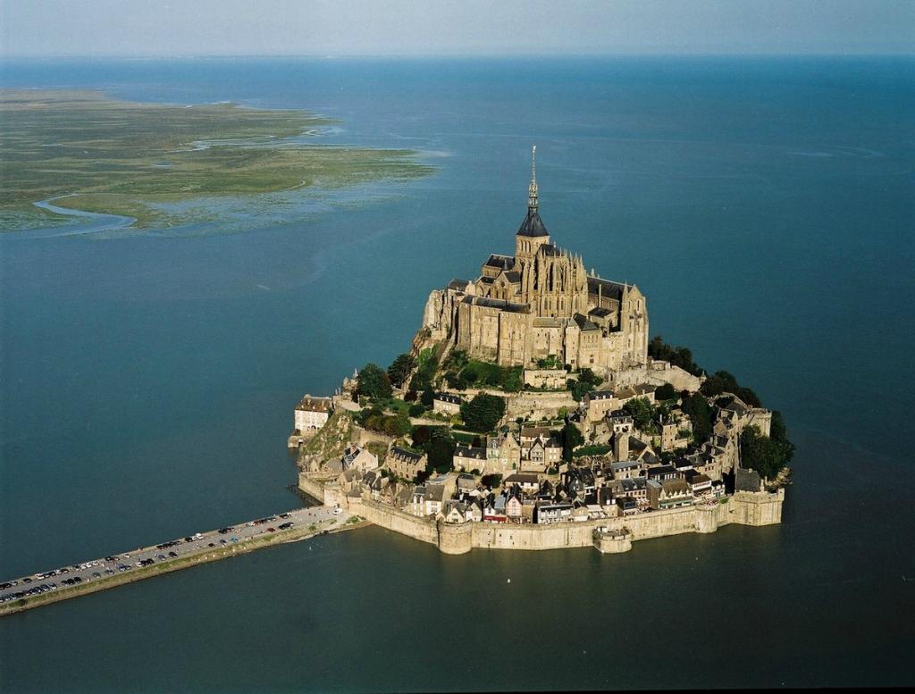 замок Мон Сен-Мишель