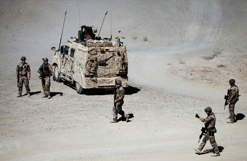 Afghanistan.<br />Danske soldater på patrulje ved Gerehsk, Helmand.