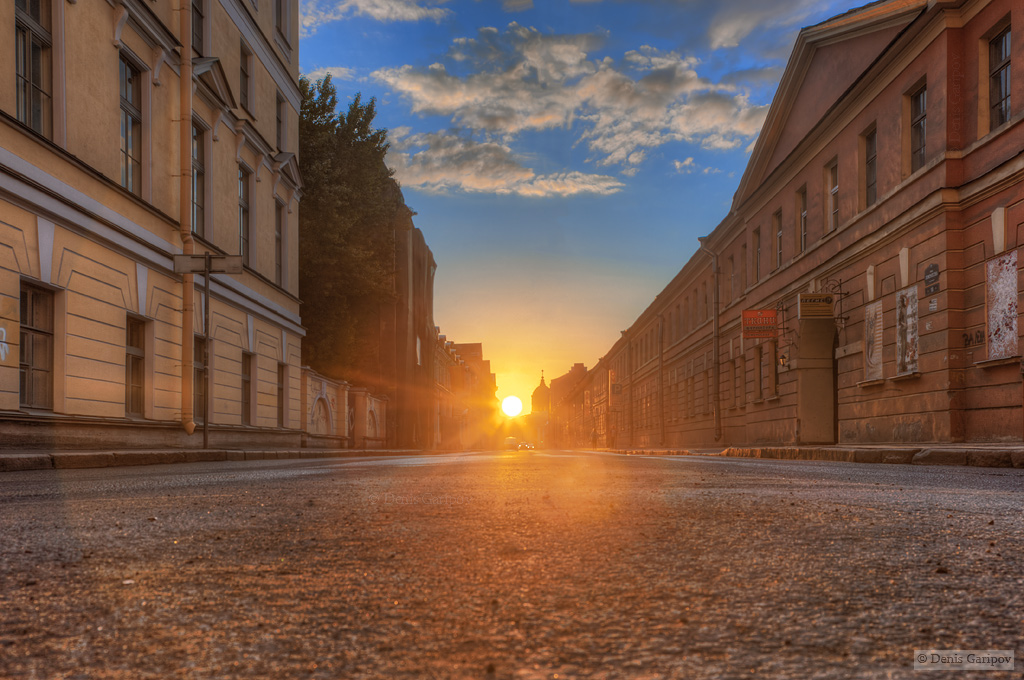 Солнце над улицей Ломоносова