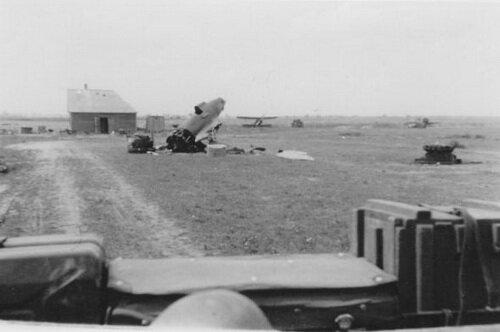 ��������� ������� ��������, ����������� �������. ����� ������������� ��� ����������� �� ����� ����������� �-16, �� ������ ����� ������ ��-2 � ��� ���� �-16. ������ � ����������� �������� ����������. ���������� �������, ���� 1941 ����. ����� ������: ���� 1941