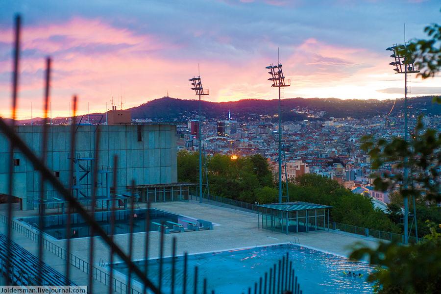 закат в Барселоне