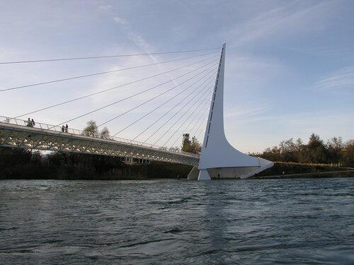 Sundial bridge в Реддинге, Калифорния
