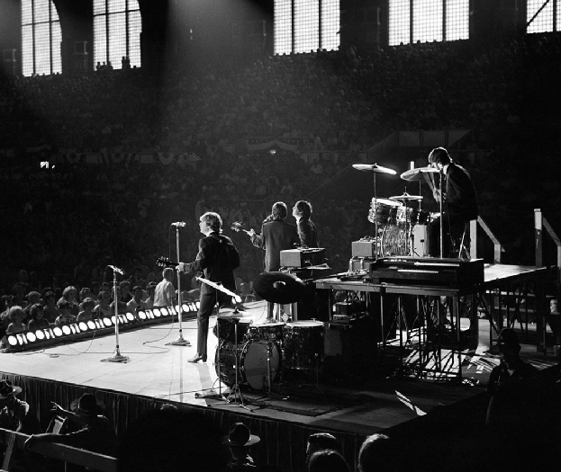 Открылась выставка с редкими фотографиями The Beatles