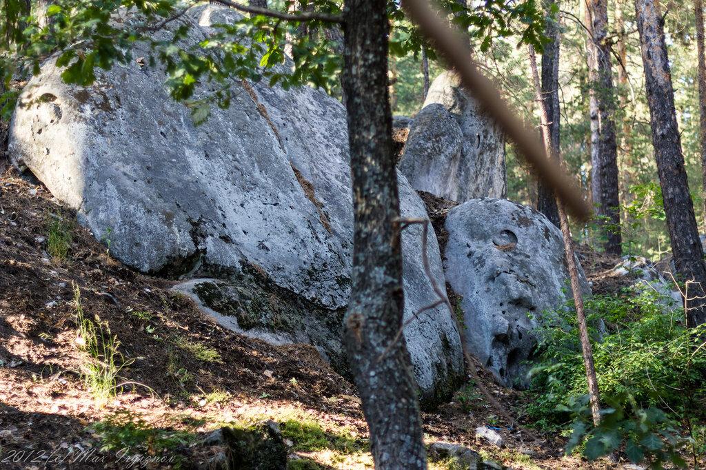проточенный водой камень