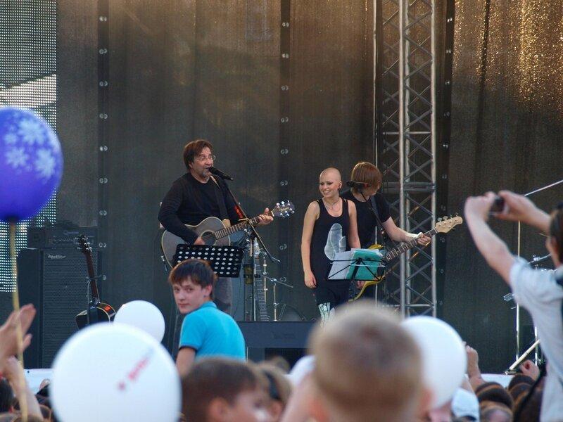 Юрий Шевчук и Алёна Романова на концерте ДДТ в Кирове