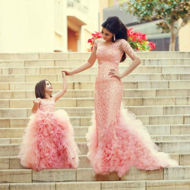 Мамы и дочки как две капли воды