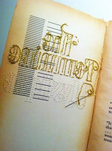 Вышитые книги Джессики Рид.