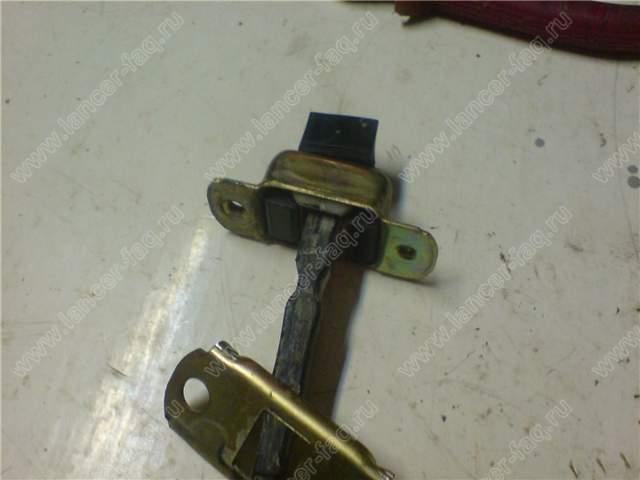 Ремонт ограничителя двери Lancer IX