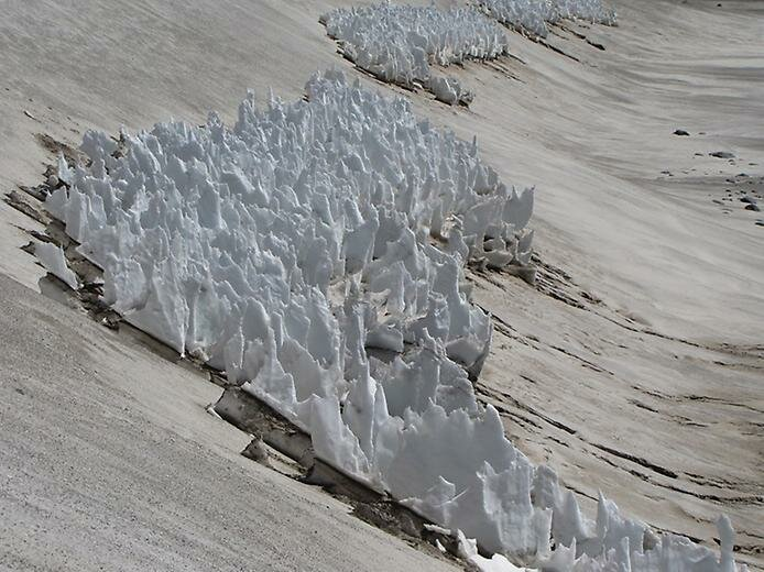 Пенитентес: Удивительные снежные фигуры в Андах