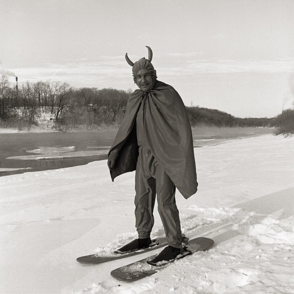 By Robert Holmgren.Minnesota
