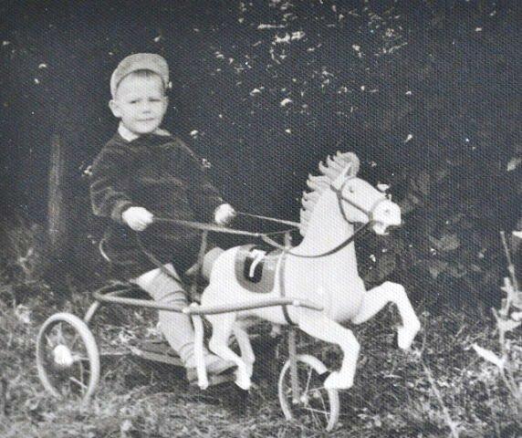 1958 год.мой муж в детском саду...
