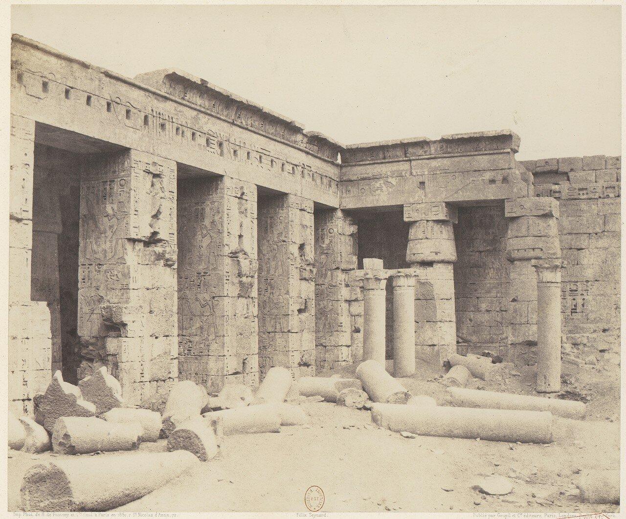 Мединет-Абу. Двор храма