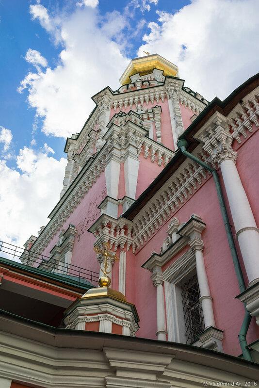 Храм Богоявления Господня Богоявленского монастыря в Китай-городе.