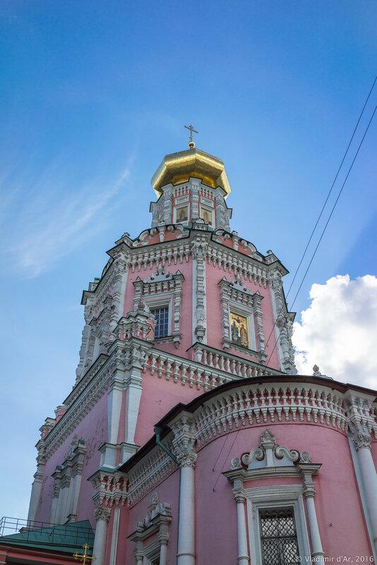 Храм Богоявления Господня бывшего Богоявленского монастыря в Китай-городе.