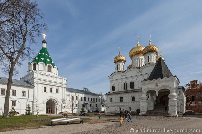 Церковь Хрисанфа и Дарии. Троицкий собор в Ипатьевском монастыре. Кострома.