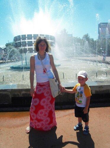 Простые радости лета. Максим, я и фонтан )))
