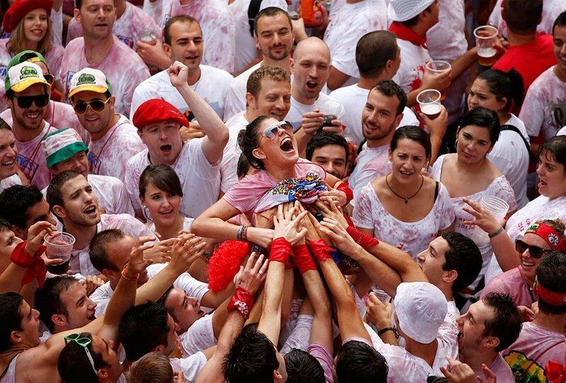Праздник сисек, быков и безумия «Сан-Фермин 2012»