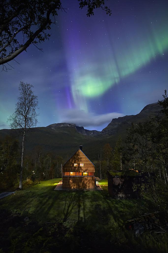 Cabin-Laksvatn-Hamran-Johansen-Arkitekter-4.jpg