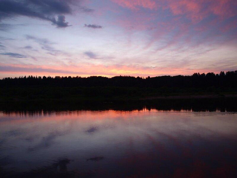 Красный закат на Вятке. Вид с острова