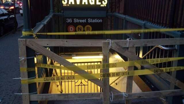 Почему закрыли вход в метро?