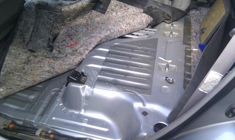 Toyota Sequoia Club - Замена топливного фильтра грубой очистки.