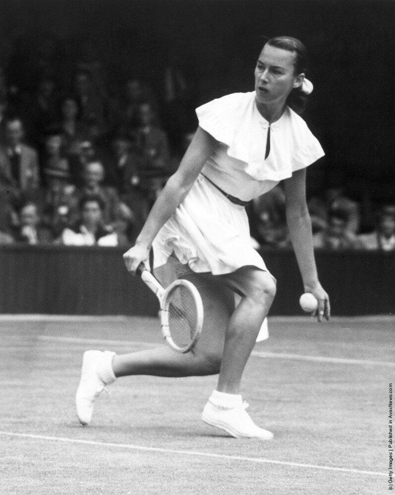 Американская теннисистка Gertrude 'Gussie' Moran по прозвищу Гусыня,1949