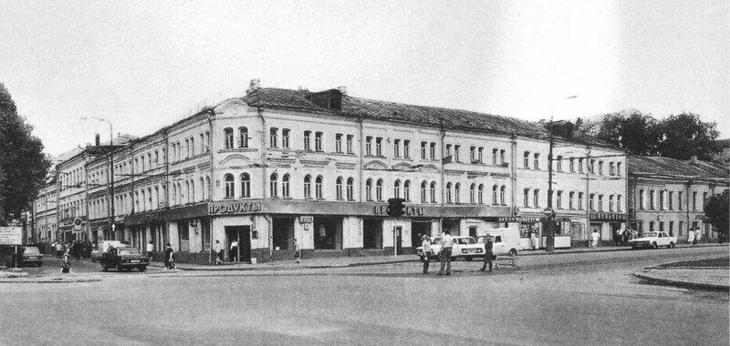 10391 Трубная площадь, угол Петровского и Цветного бульваров.jpg