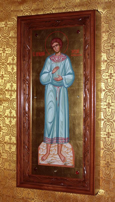 мерная икона на золоте в резном киоте. мерная икона св. артемий Веркольский на золоте в резном киоте...