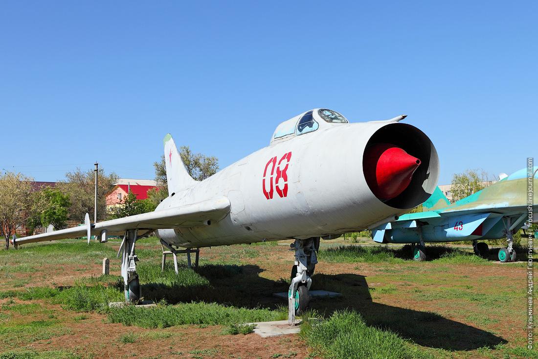 Истребитель-бомбардировщик Су-7Б