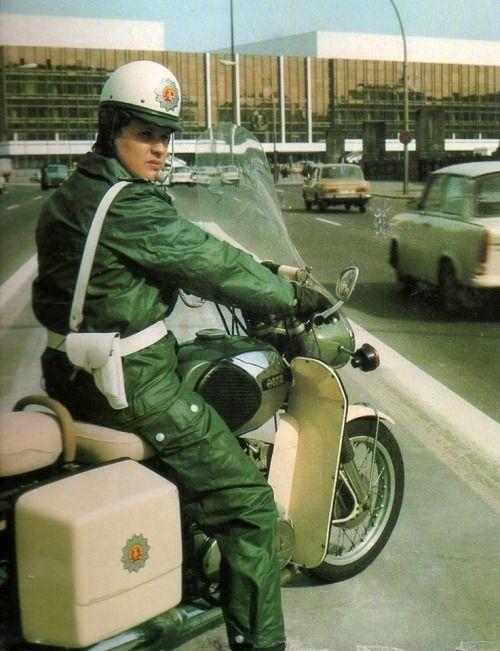 Der Motorrad Vopo.jpg