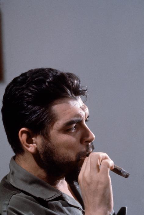 Elliott Erwitt - Che Guevara, Havana, Cuba 1964 (3).jpg