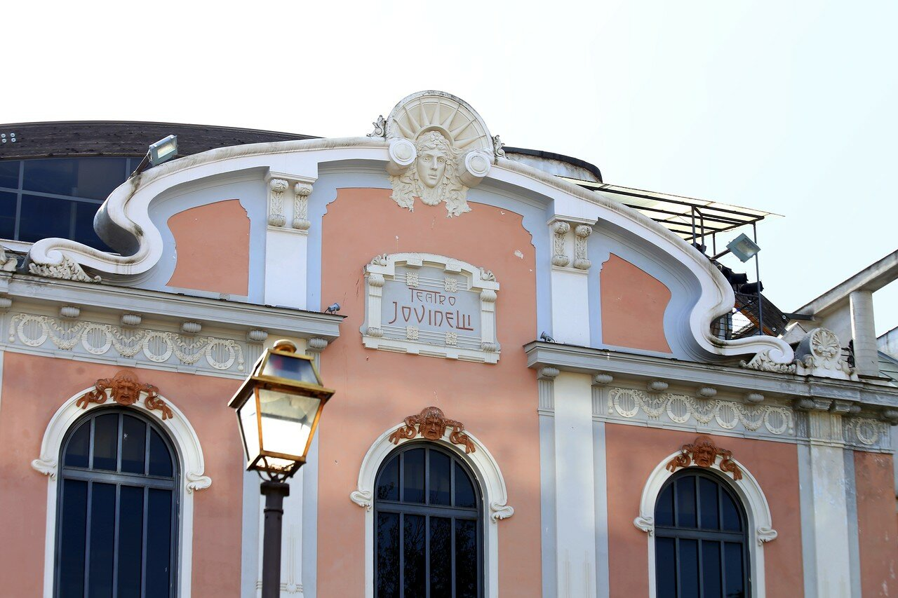 Рим. Театр Амбра Джовинелли (Teatro Ambra Jovinelli)