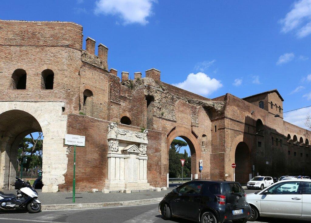 Рим. Ворота Пинчианa (Porta Pinciana)