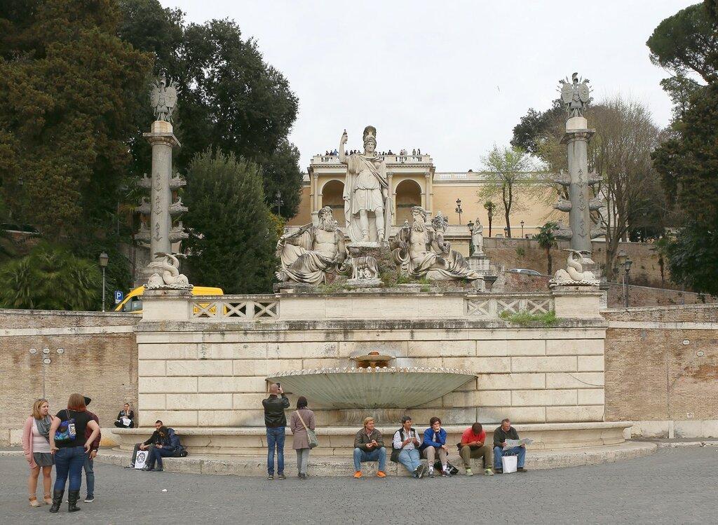 Фонтан богини Ромы (Fontana della Dea di Roma)