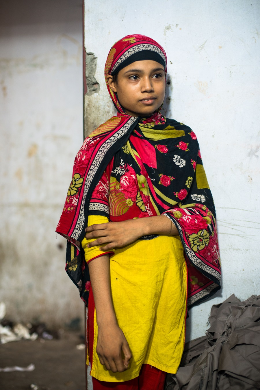 Шанта, 11 лет, работает на фабрике уже год.