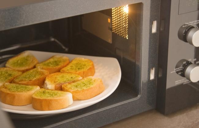 Микроволновки портят вкус многих блюд, иони получаются нетакими, как еслибы ихготовили наплите