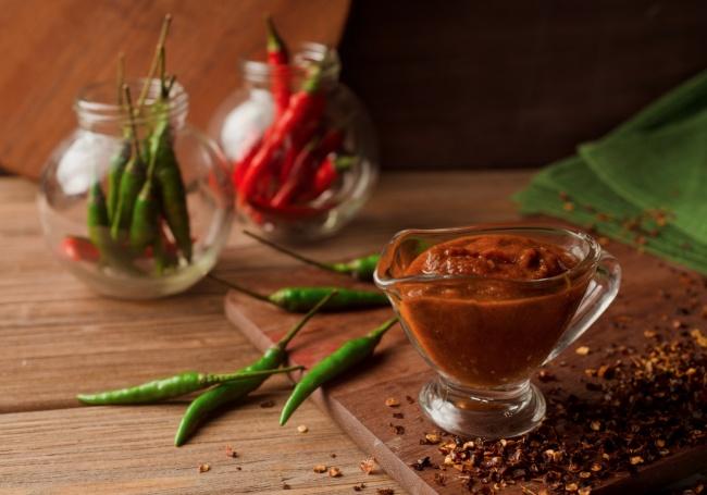 Домашние соусы готовятся просто ибыстро, они могут даже обычные пельмени заставить заиграть новыми