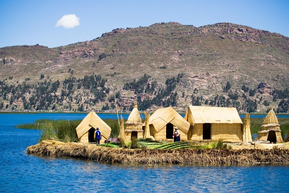 Для местных жителей озеро Титикака— священно. Его название по-индейски означает «горная пума». Пом