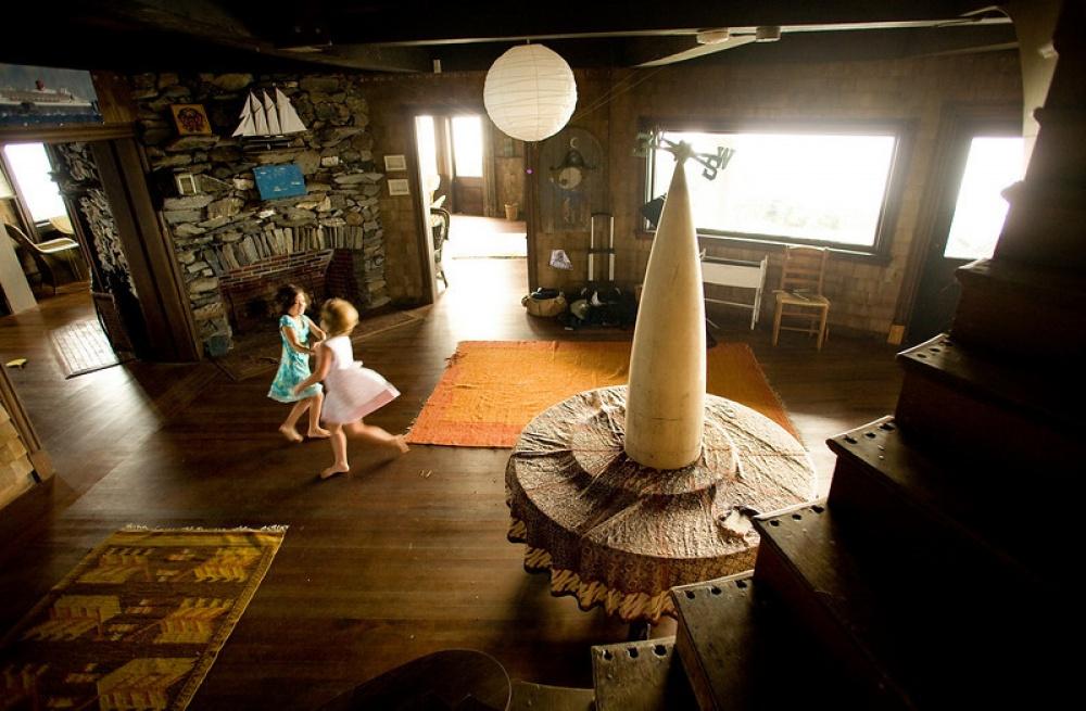 Дом был задуман финансистом Дж. С.Ловерингом Уортоном всоавторстве сдизайнером Уильямом Ричардсом