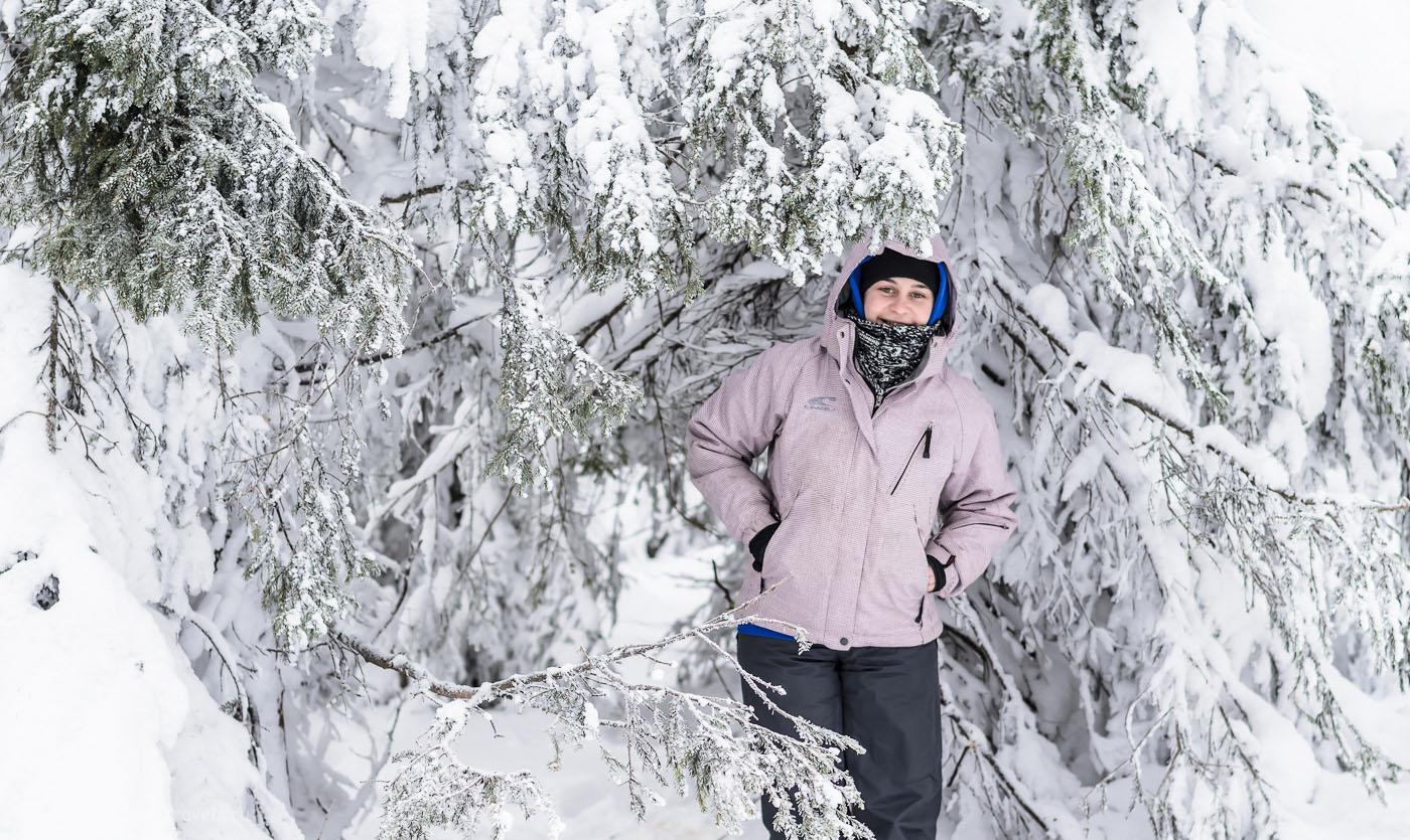 Снимок 15. В заснеженном лесу. Отызвы о походе на Черную скалу зимой. Пример фото на Nikon D5100 с объективом Nikon 50/1.8G. Настройки: 1/320, 3.2, 200, 50.