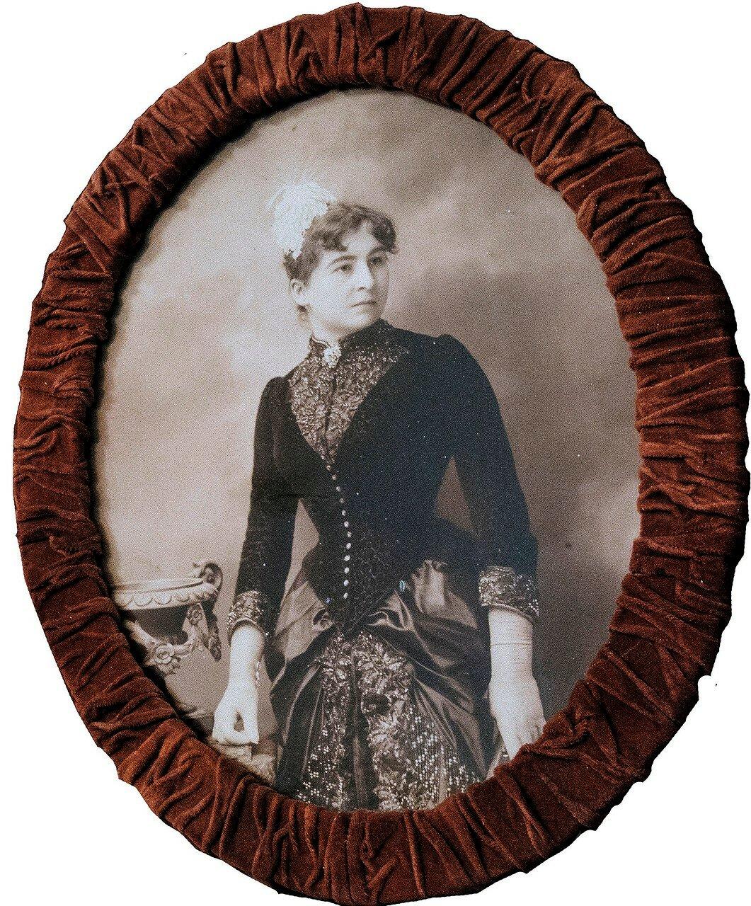Ермолова Мария Николаевна. В 1870 году Надежда Медведева решила дать Ермоловой главную роль в своем бенефисе. В спектакле «Эмилия Галотти», премьера которого состоялась 30 января 1870 года, Ермолова проявила мощный сценический темперамент