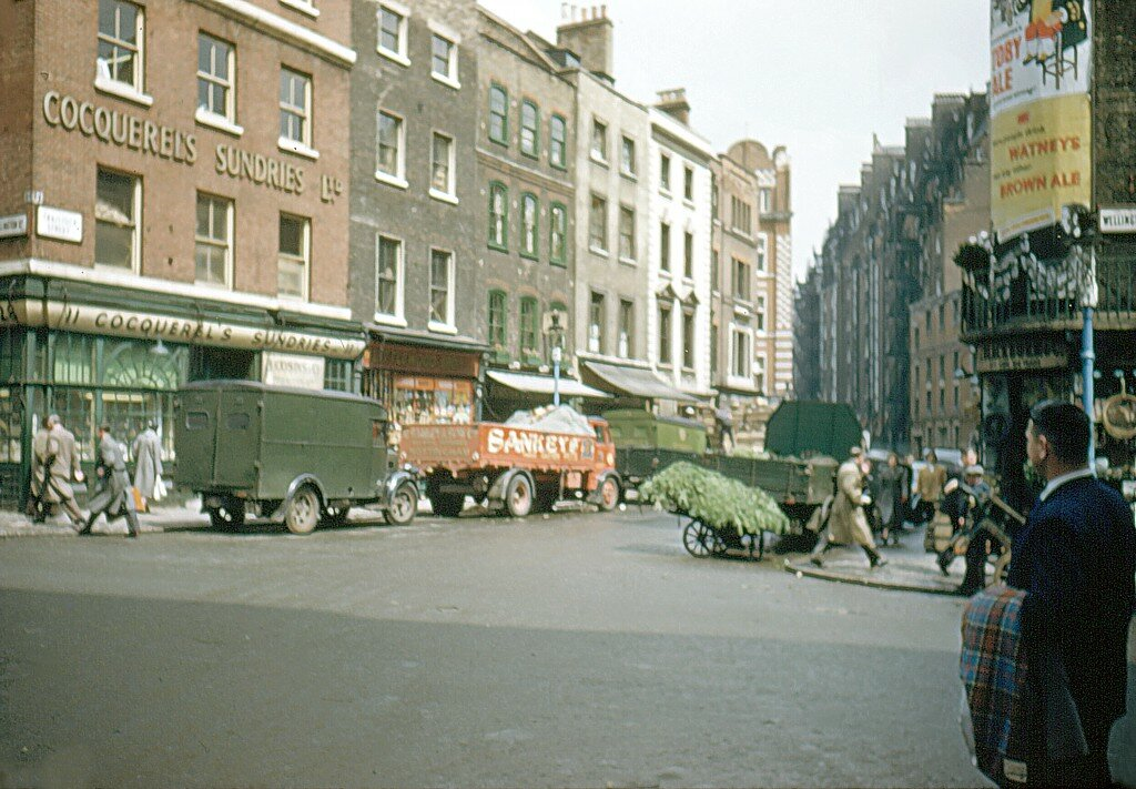 1955 London Covent Garden.jpg